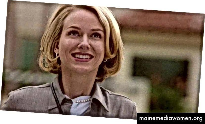 """Naomi Watts in der Traumsequenz """"Mulholland Dr."""" (2001) als der geniale Charakter Betty. Beachten Sie das besonders weiche Licht, die warme Farbpalette und das Make-up, um ihre Unschuld im Traum zu betonen."""