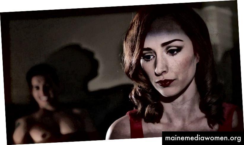 Najarra Townsend als Violet (oder vielleicht ihre andere Figur, ihre Schwester) in