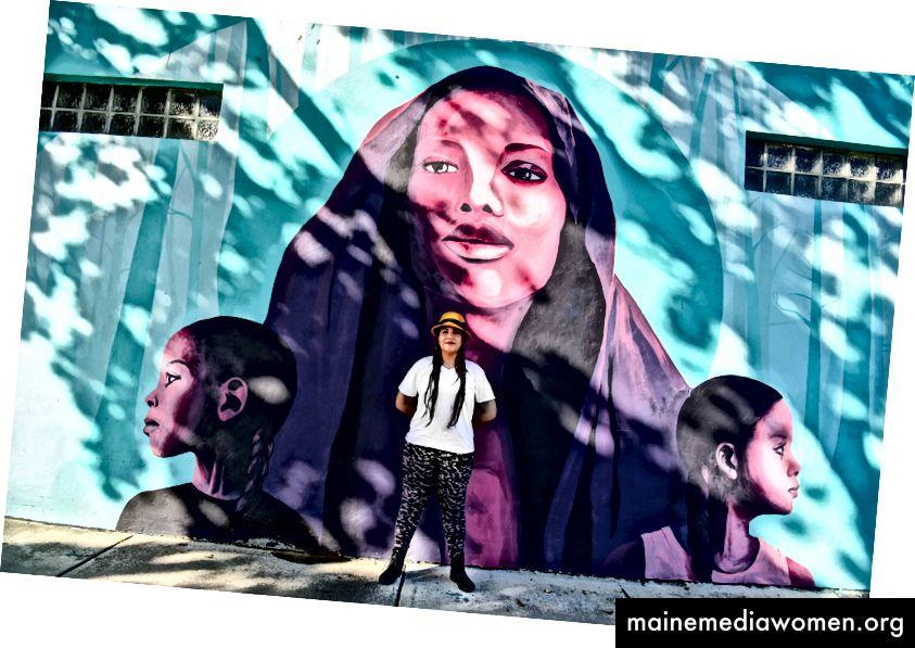 Ivette war früher ohne Papiere und lebt heute als US-amerikanische Staatsbürgerin und Künstlerin in Miami.