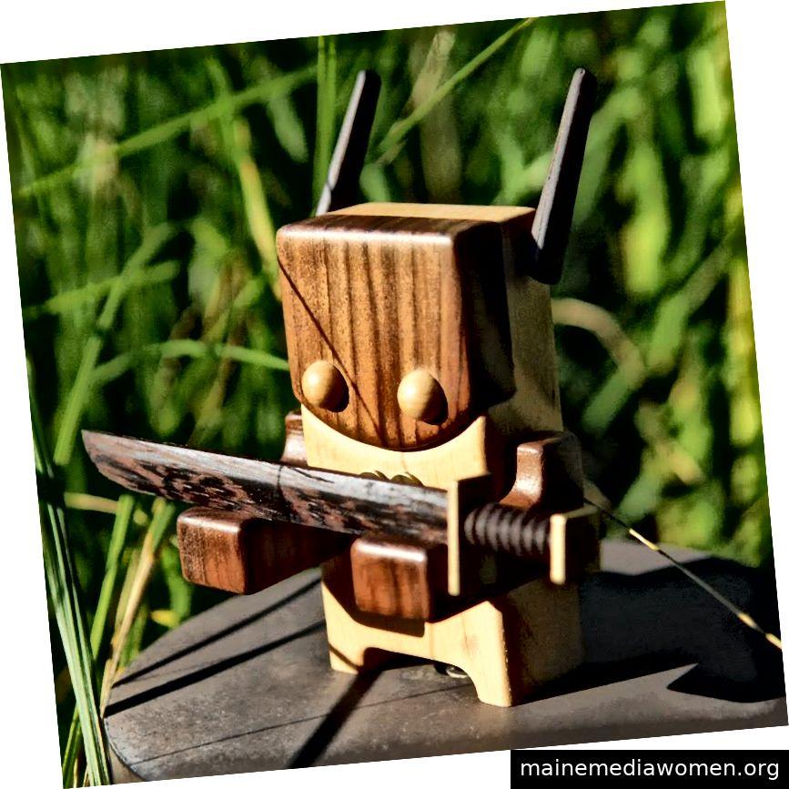 Raku - Ein 5-Zoll-Holzspielzeug von Pepe Hiller