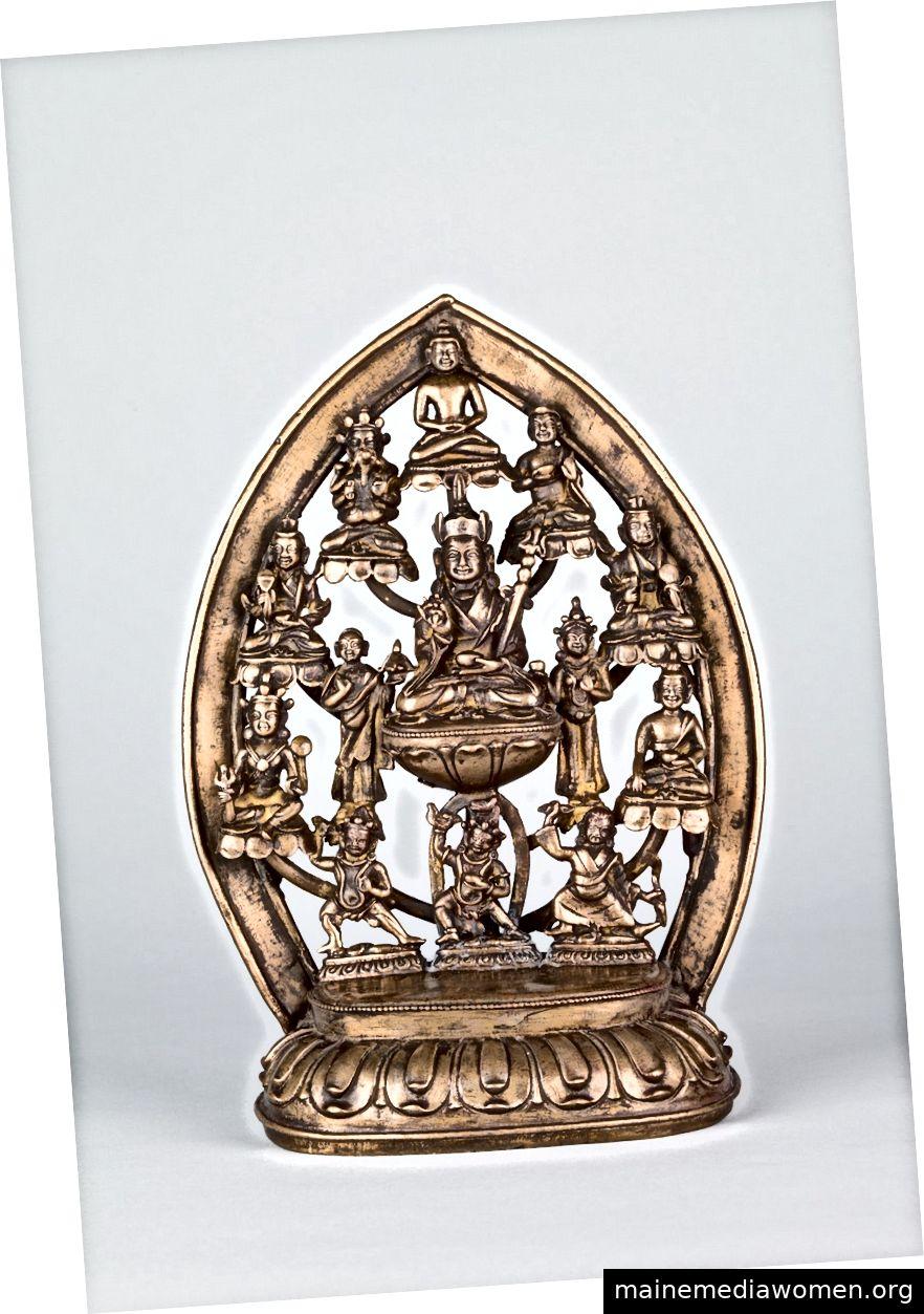 Padmasambhava und seine acht Manifestationen. Tibet; 16. Jahrhundert. | Kupferlegierung. Mit freundlicher Genehmigung des Rubin Museum of Art