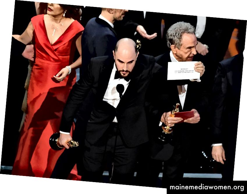 """Das berüchtigte Missgeschick mit dem Oscar-Preis für das beste Bild 2017: """"La La Land"""" wurde aufgrund des Fehlers von Price Waterhouse Coopers als Sieger anstelle von """"Moonlight"""" ausgezeichnet."""