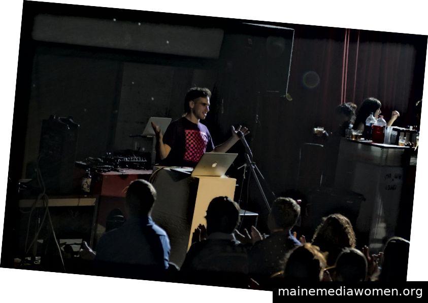 Jordan Gray bei einem der frühen CODAME ART + TECH Festivals 2011