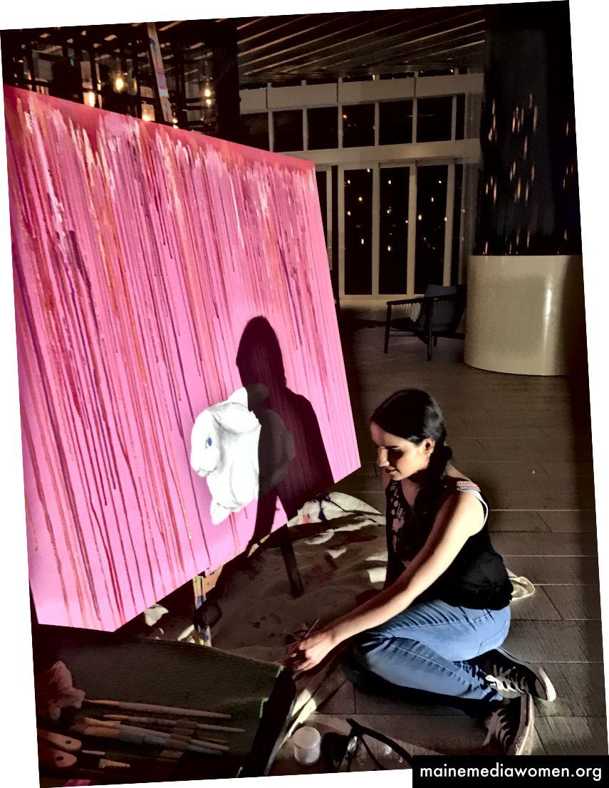 Yeisy في حدث رسم حي في فندق W في Ft. لودرديل ، فلوريدا في 15 أغسطس.
