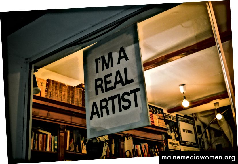 """""""Аз съм истински художник знаци"""" от Крис Къри в Unsplash"""