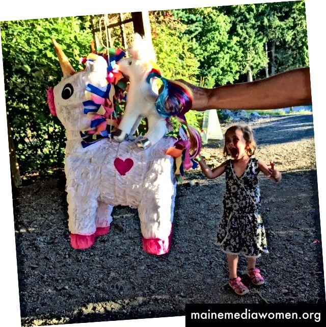 Die Piñata meines Kindes bei ihrer 4. Geburtstagsfeier!