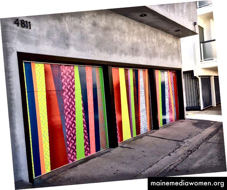 Eine von Hellbents vielen Wandgemälden, die die Farbe der Zukunft verwenden, wie sie von Popkünstlern gesehen und populär gemacht wurde.