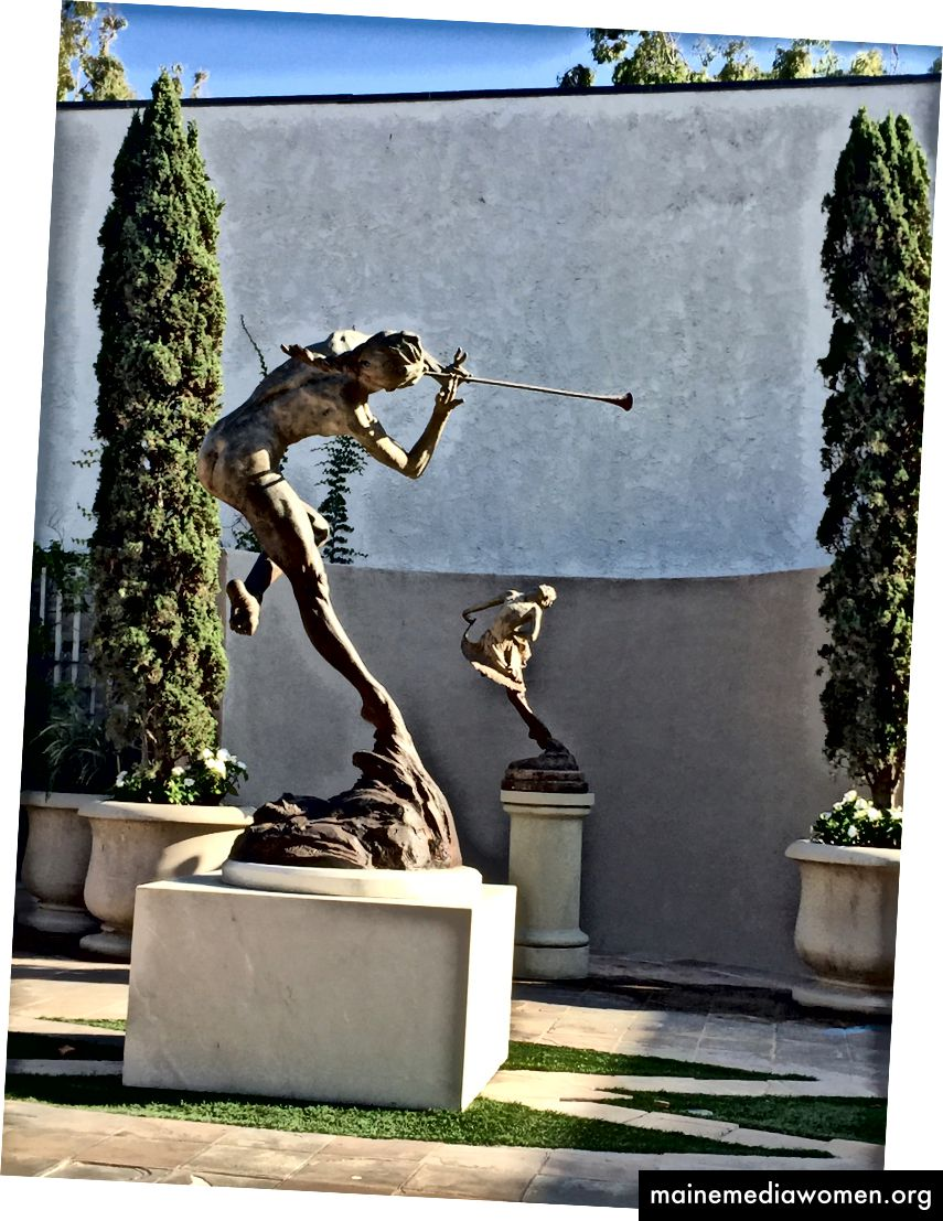 منحوتات من ريتشارد ماكدونالد ، لاجونا بيتش ، كاليفورنيا - صورة ليندساي لينجار