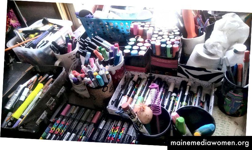 Ich habe meine Schränke und Schubladen ausgeräumt und ein paar Stifte gefunden!