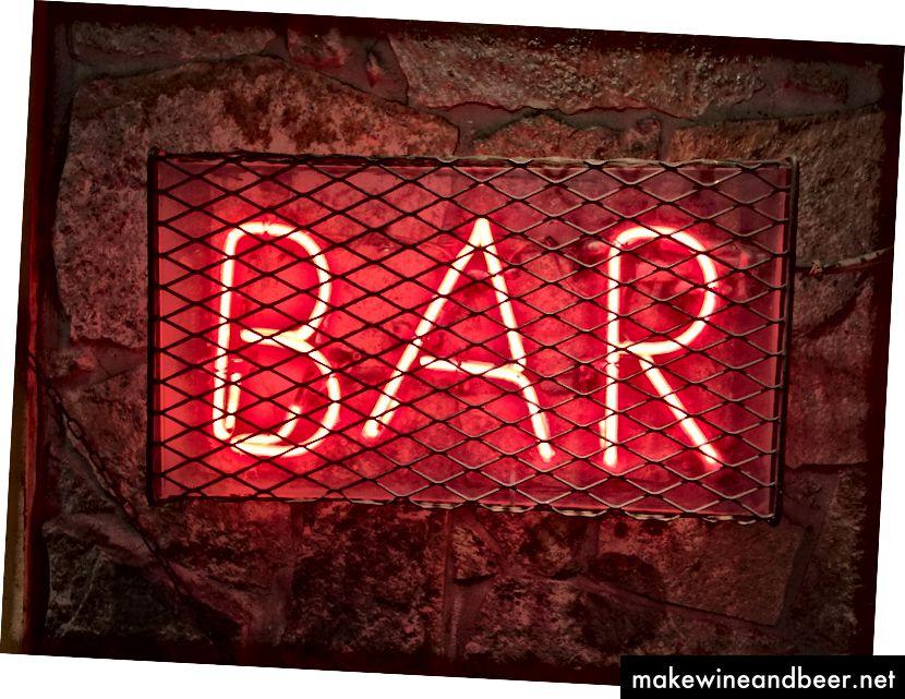 نگران نباشید ، اگر همچنان از هوشیاری خود راضی هستید می توانید با دوستان یا همکاران نوشیدنی بنوشید. فقط مطمئن شوید که نوشیدنی شما باکره است.