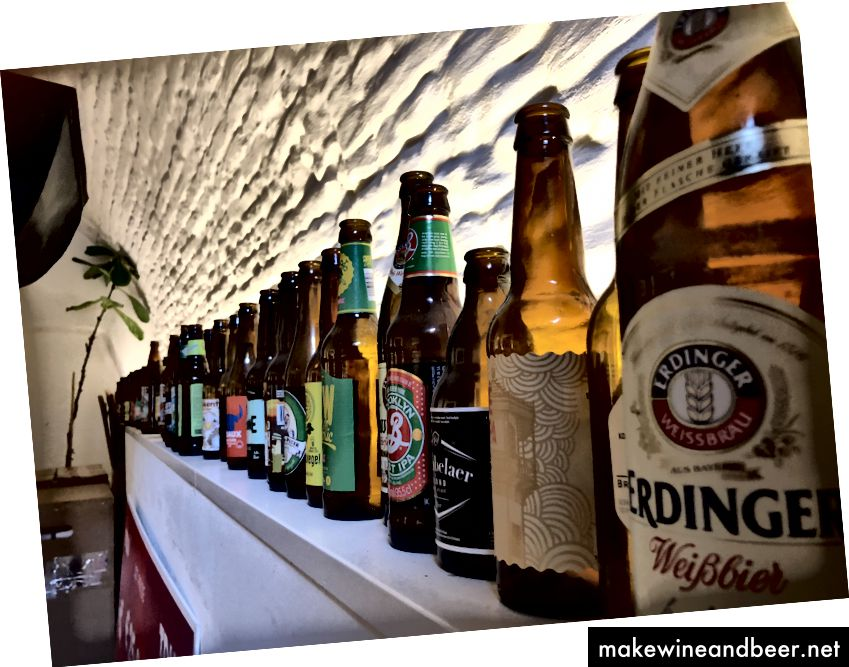 Einige Biere in unserem Büro - ja, wir entdecken gerne neue Geschmacksrichtungen