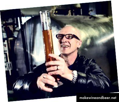 James Walton ຈາກ Storm Brewing. ຮູບ Dan Toulgoet.