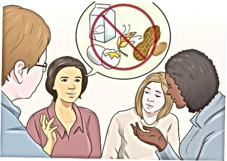 Boshqalar uchun oziq-ovqat allergiyalari haqida ma'lumot berish