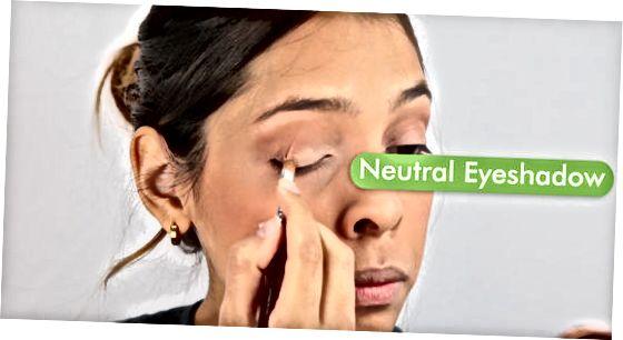 Augen Make-up und Lippenfarbe auftragen