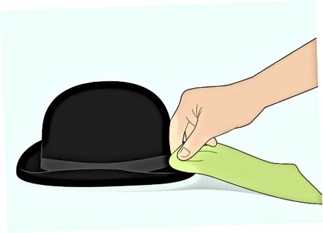 Làm sạch và duy trì một chiếc mũ Bowler