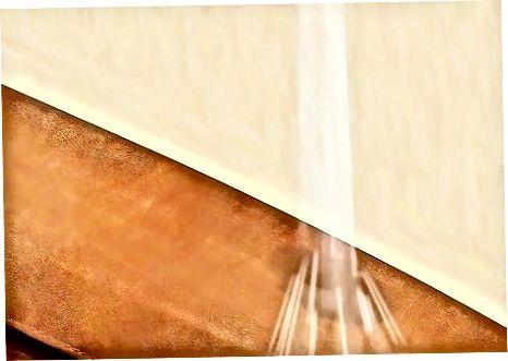 Принимая спрей загар из ткани или обивки