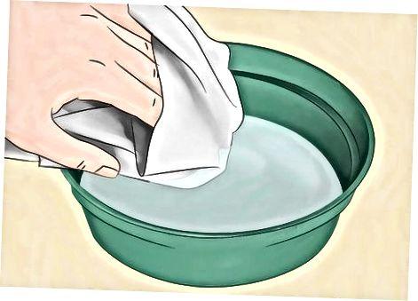 Quitar el bronceado en spray de tela o tapicería