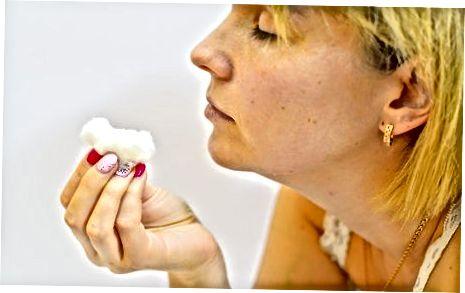 Sintetik sochlarni shampunlash
