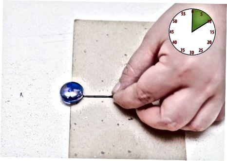 Menggunakan Batu Permata dan Temuan Lainnya