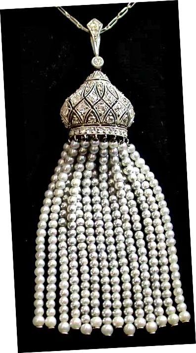 Κολιέ από λευκόχρυσο και διαμάντι από Edwardian με φούντα από μαργαριτάρι.