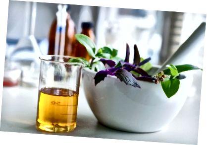 घर के सौंदर्य उत्पादों के लिए शीर्ष 10 वाहक तेल।