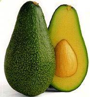 رسیده میوه آووکادو ، همچنین یک ماده مغذی تغذیه کننده پوست است.