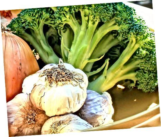 이 야채에는 많은 양의 황이 함유되어 있습니다.