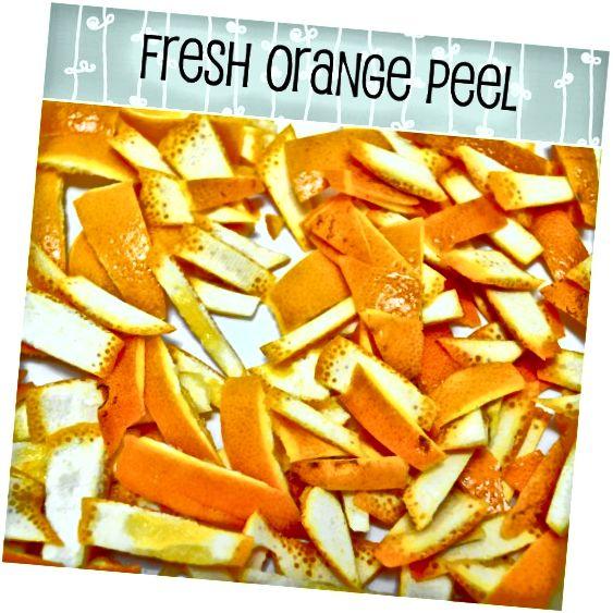 संतरे के छिलके कितने चमकदार और ताजे हैं, इसे देखिए! Mmmm ... उन्हें काट सभी स्वर्गीय साइट्रस सुगंध जारी करता है!