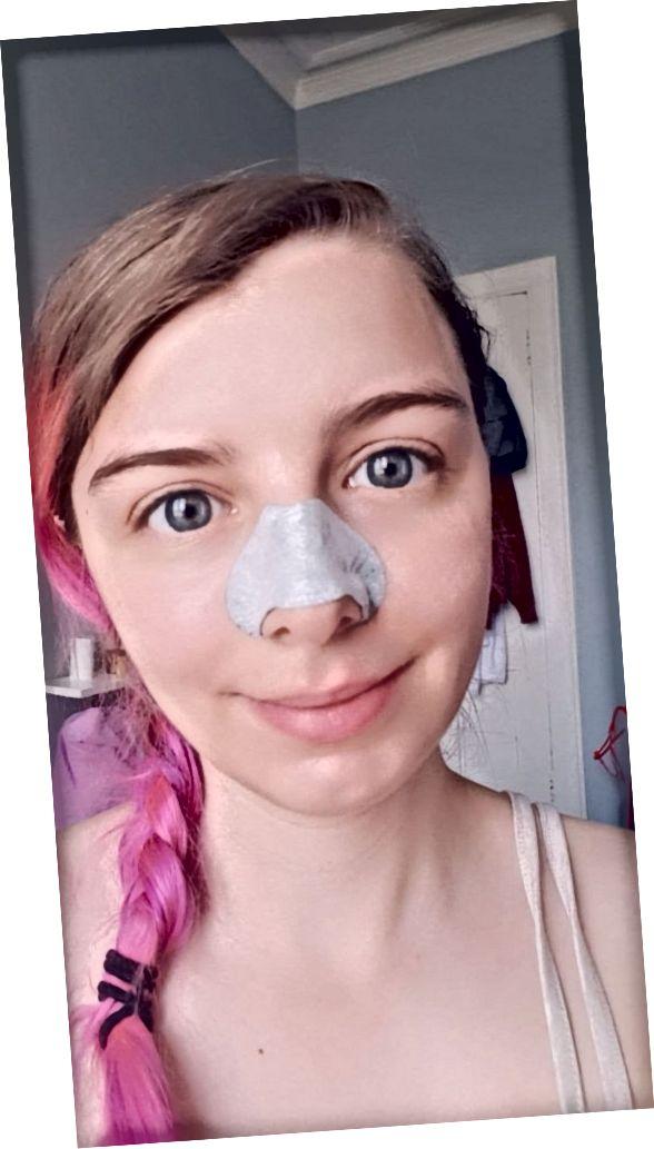 فرمول های زیبایی پاک کننده ذغال از بینی با استفاده از صورت من استفاده می کنند