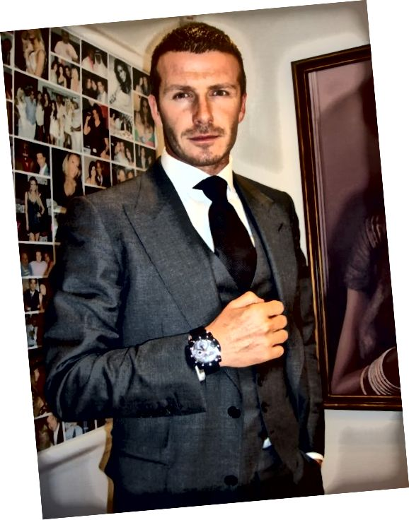 بکام در یکی دیگر از ساعتهای Jacob & Co. ، این چهره را با چهره ای دور و برش نشان می دهد.
