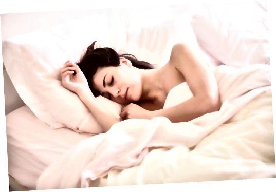 Có được giấc ngủ đẹp của bạn để trông tươi mới và lộng lẫy trong đám cưới của bạn.