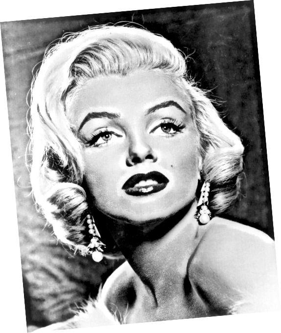 Marilyn Monroe, probabil cea mai faimoasă blondă din toate timpurile, s-a născut o brunetă.