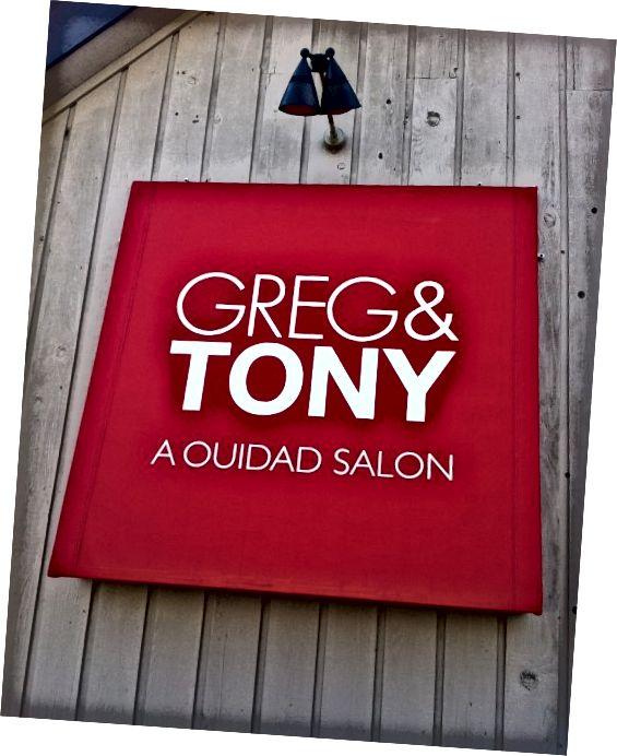 Greg & Tony: Ένα σαλόνι Ouidad που βρίσκεται στο Κονέκτικατ είναι ένα από τα πολλά σαλόνια όπου μπορείτε να πάρετε ένα κούρεμα