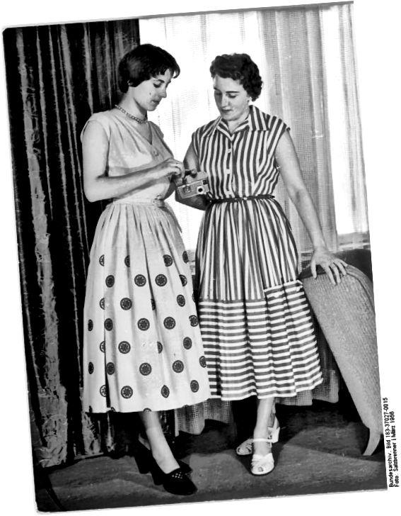 Кароткія валасы; Даўжэйшыя і шырэйшыя спадніцы датуюцца гэтым малюнкам 1950-х.