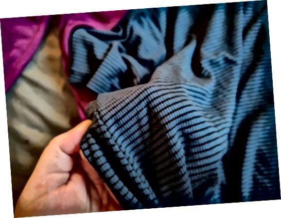 V říjnu jsem dostal nádherné pruhované modré a černé košile Market & Spruce od Stitch Fix.