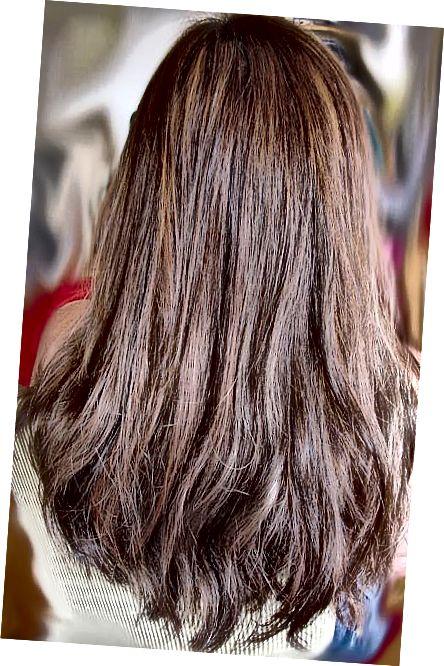 Prodlužování vlasů sahá od cenově dostupných po drahé. Další informace o různých nákladech a typech.