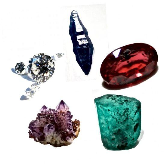 پنج سنگهای قلبی باستان. عقربه های ساعت از بالا: یاقوت کبود ، یاقوت ، زمرد ، آمتیست ، الماس.