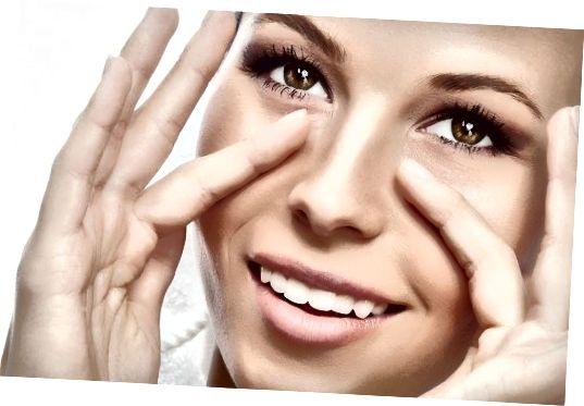 आप अपनी आंखों के नीचे काले घेरे से कैसे छुटकारा पा सकते हैं? विशिष्ट त्वचा देखभाल उत्पादों, diy घरेलू उपचार और कंसीलर का उपयोग करना