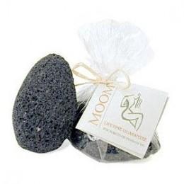 The Moom Beauty ຜະລິດຕະພັນ Volcanic Beauty Stone ແມ່ນຫີນປູນລະດັບປານກາງຫາຫຍາບແລະຈະເຮັດວຽກໄດ້ດີ ສຳ ລັບຜູ້ທີ່ມີຜິວພັນທີ່ເຄັ່ງຄັດແລະຜິວບໍ່ແຫ້ງ.