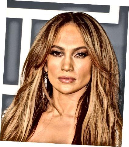 J. Lo ma doskonale nieskazitelną skórę. Dowiedz się, jak zastosować makijaż, aby powtórzyć jej wygląd.
