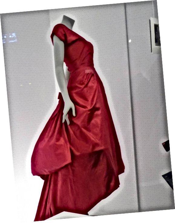 Երեկոյան զգեստ, Մետաքսի տաֆետա, Կրիստոբալ Բալենսիա, Փարիզ 1955