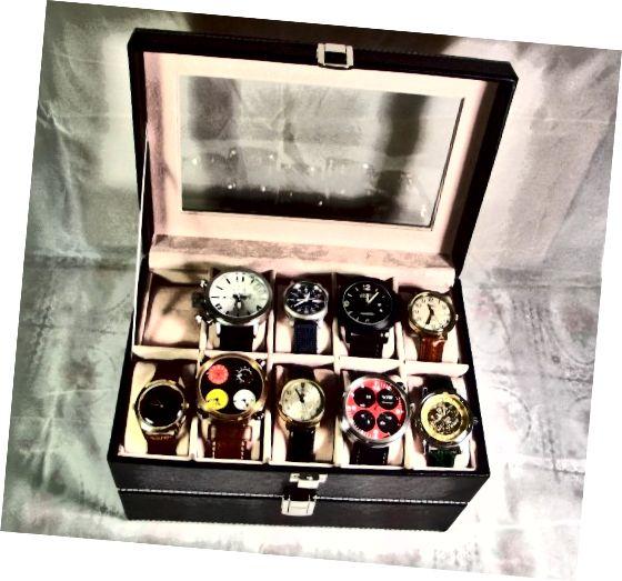 वॉच बॉक्स मुख्य रूप से मध्यम घनत्व फाइबरबोर्ड के साथ प्रबलित अशुद्ध चमड़े से बना है।