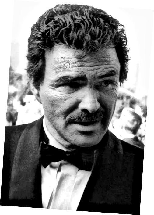 Jedním z nejznámějších nositelů chevronu je Burt Reynolds.