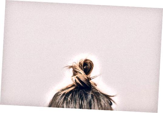 Kokosový olej posilňuje vlasy.
