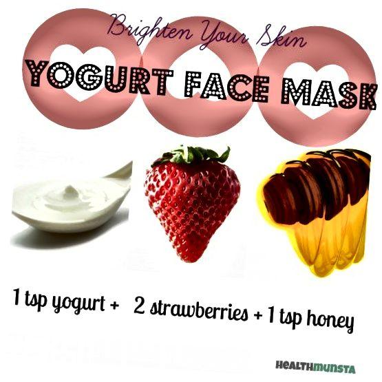 خوبی توت فرنگی به علاوه ماست و عسل ، به ماسک صورت روشن کننده پوست می بخشد.