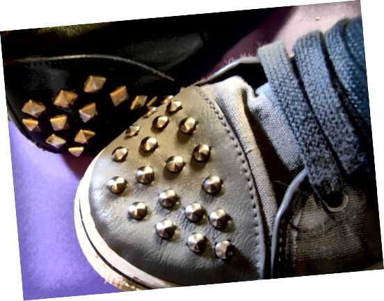 تفاوت بین زنجبیل و کفش چیست؟ یک کفش تنها دارد.
