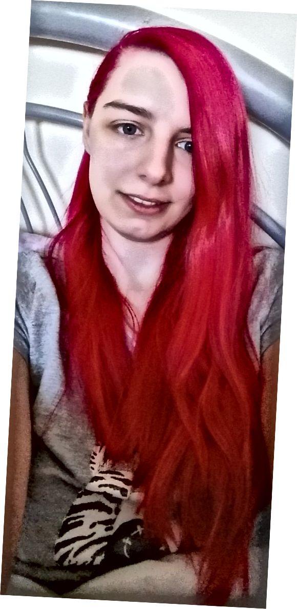 Seperti inilah rambut saya setelah saya mengoleskan pewarna, membilasnya dan membiarkannya mengering.