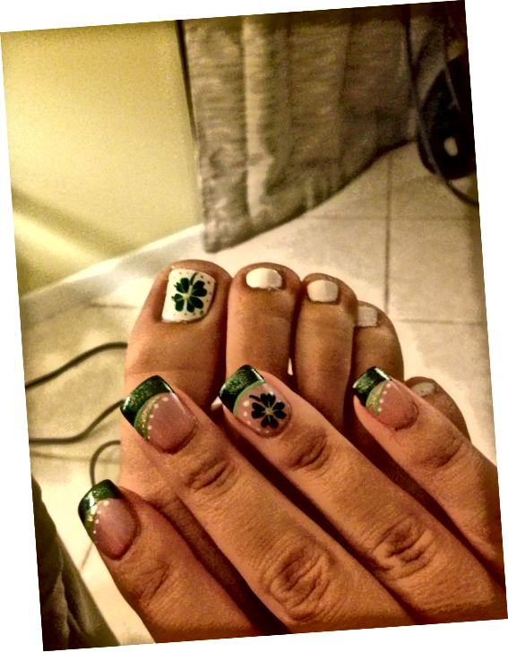 zelené a biele nechty