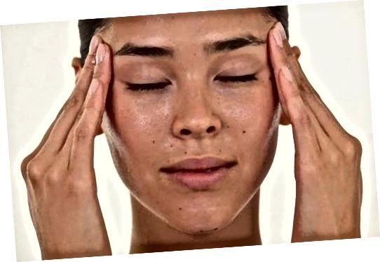 سردردها را با روغنهای اساسی و ماساژ صورت بهبود می بخشد
