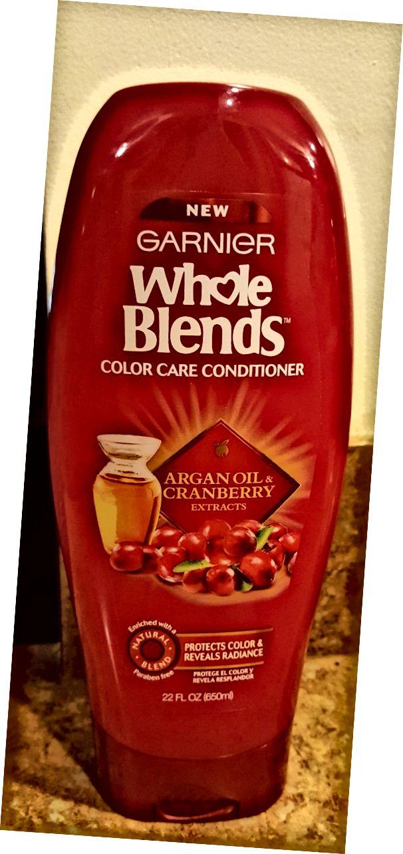 Garnier Whole Blends 컬러 케어 컨디셔너 Argan 오일과 크랜베리 추출물.